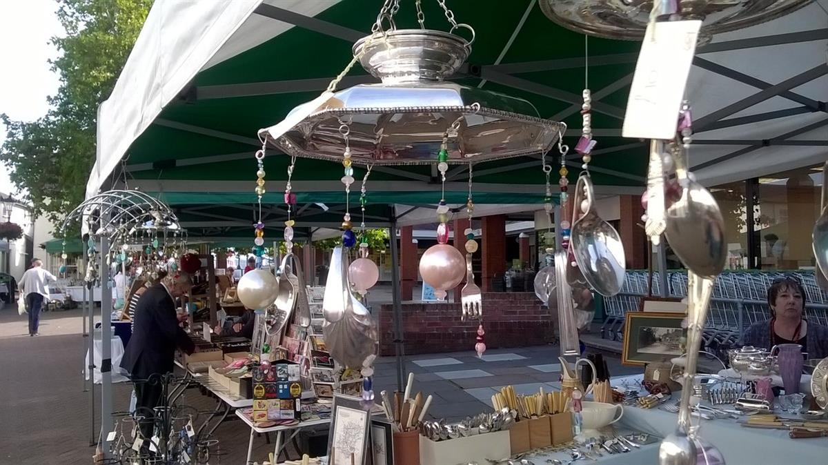 market stall with jewelry